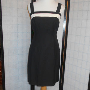 Ann Taylor Black & White Fitted Dress Size 8 NWT
